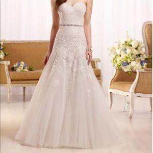 Essense of Australia wedding gown